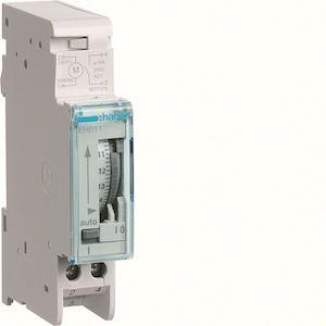 Interrupteur horaire électromécanique compact 1 voie sur 24 heures avec réserve